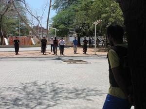 Reconstituição iniciou na Praça da Sementeira (Foto: Amanda Franco/G1)