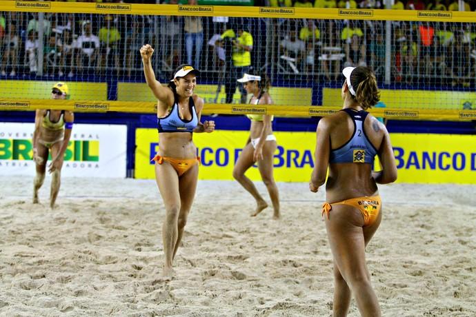 Ágatha/Bárbara derrota Juliana/Maria Elisa e chega à final do Super Praia, em Maceió (Foto: Paulo Frank/Divulgação/CBV)