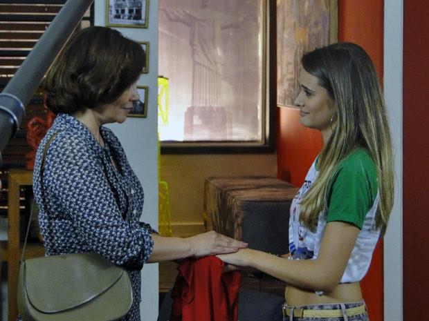 Vilma e Fatinha no hostel, quando a mãe voltou para reencontrar a filha (Foto: Malhação / TV Globo)