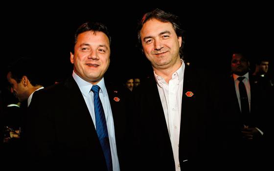 Os empresários Wesley (dir.) e Joesley Batista (Foto:  Zanone Fraissat/Folhapress)