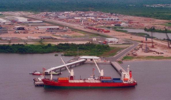 Navio de produção de petróleo na Nigéria (Foto: Getty Images)