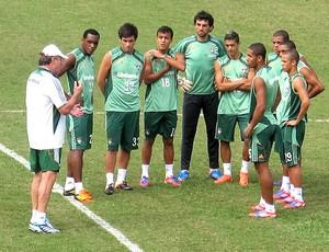 Abel Braga com os jogadores no treino do Fluminense (Foto: Rafael Cavalieri / Globoesporte.com)