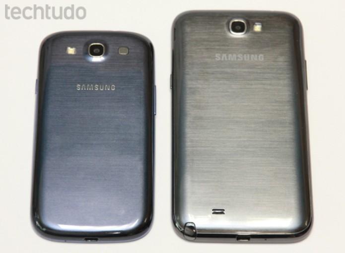 Galaxy Note 2 vs Galaxy S3: comparação de tamanho (Foto: Allan Melo/TechTudo)