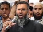 Clérigo britânico é condenado à prisão por apoio ao Estado Islâmico