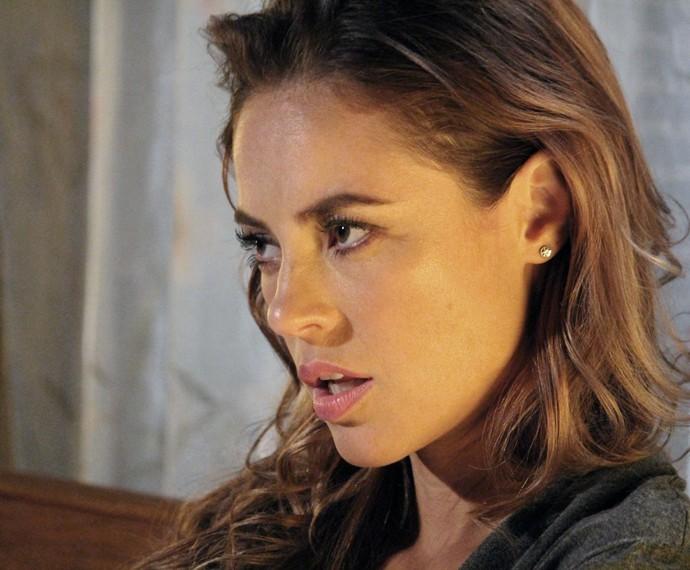 Melissa não gosta da aproximação de Lívia e Felipe (Foto: Evellyn Pacheco/Gshow)