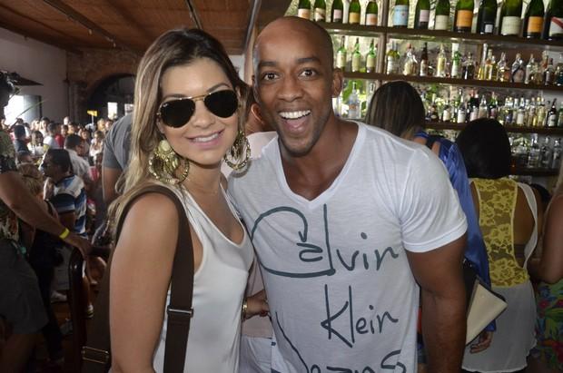 Amanda Françoso e ex-BBB Lucival em show em Salvador, na Bahia (Foto: Fred Pontes/ Divulgação)