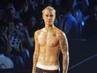 Justin Bieber faz coreografia ousada em estreia da nova turnê nos EUA