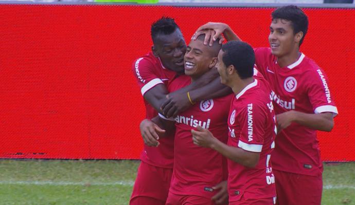 Taiberson faz único gol da vitória de Inter e VEC pelo Gauchão (Foto: Reprodução/RBS TV)