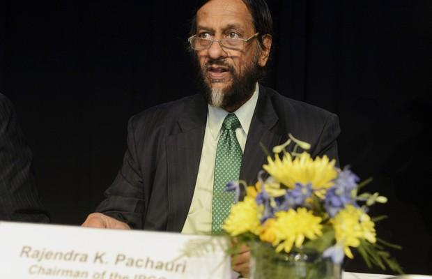 Rajendra Pachauri, presidente do Painel Intergovernamental de Mudanças Climáticas (IPCC), apresenta o novo relatório sobre o clima em Stocolmo, na Suécia. Segundo o painel da ONU, a ação humana tem exercido forte influência sobre o aquecimento global (Foto: AP Photo/ TT News Agency, Bertil Enevag Ericson)
