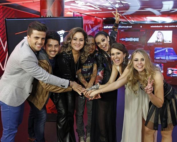 Participantes celebram vitória na Sala de Interatividade (Foto: Fábio Rocha/Gshow)