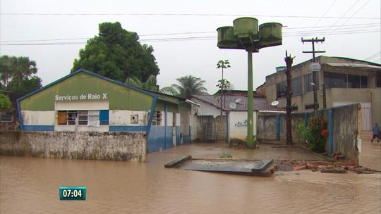 Chuva inunda hospital na Zona da Mata de PE; estado tem 30 mil desalojados e desabrigados