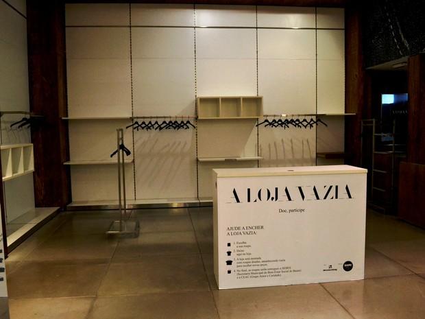Quem doar também pode ajudar a organizar a loja  (Foto: Bauru Shopping/ Divulgação)