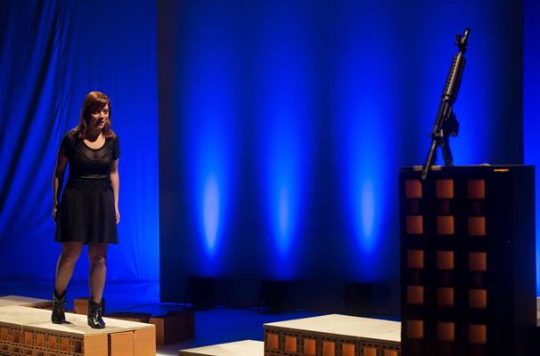 Clarissa Kahane encara o desafio de seu primeiro monólogo (Foto: Olívia D'Agnoluzzo)