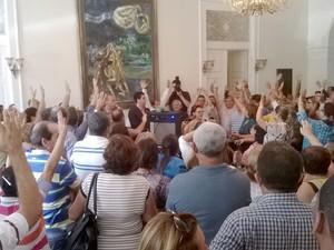 Cerca de 200 funcionários compareceram ao ato para pedir a exoneração do procurador-geral. (Foto: Divulgação/Ascom Stplal)