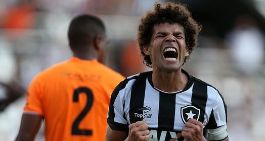 QUE ABUSO! (Vitor Silva/SSPress/Botafogo)
