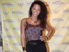 Com fenda poderosa, Juliana Alves comemora aniversário
