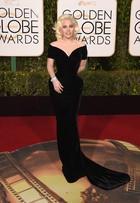 Lady Gaga aposta usa look à la Marilyn Monroe no Globo de Ouro
