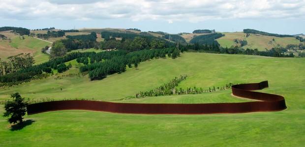 richard-serra-te-tuhirangi-contour-parque-escultura-nova-zelandia.jpg (Foto: Reprodução Gibbs Farm/Divulgação)