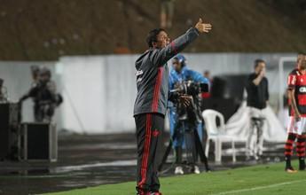 Zé Ricardo está ganhando respeito dos jogadores e diretoria, diz Edinho