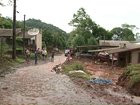 Grande volume de chuva alaga ruas e casas de Francisco Beltrão, no Paraná