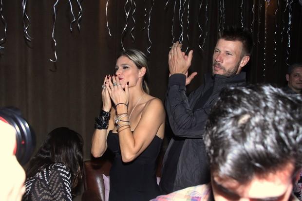 Fernanda Lima e Rodrigo Hilbert em festa na Zona Sul do Rio (Foto: Thyago Andrade/Fotorio News)