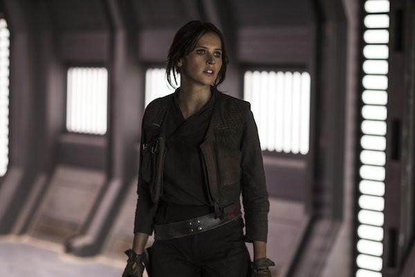 Felicity Jones em cena de 'Rogue One: Uma História Star Wars' (Foto: Divulgação)