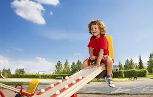 parquinho; gangorra; criança; brincando (Foto: ThinkStock)