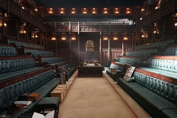 2-DSC08022The completed House of Commons set from Joe Wright's DARKEST HOUR, a Focus Features release.Credit:  Sarah Greenwood / Focus Features (Foto: Divulgação)