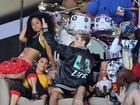Miley Cyrus faz apresentação ousada em programa de televisão