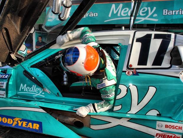 Stock Car - Rubens Barrichello treina em Brasília (Foto: Miguel Costa Jr. / divulgação)