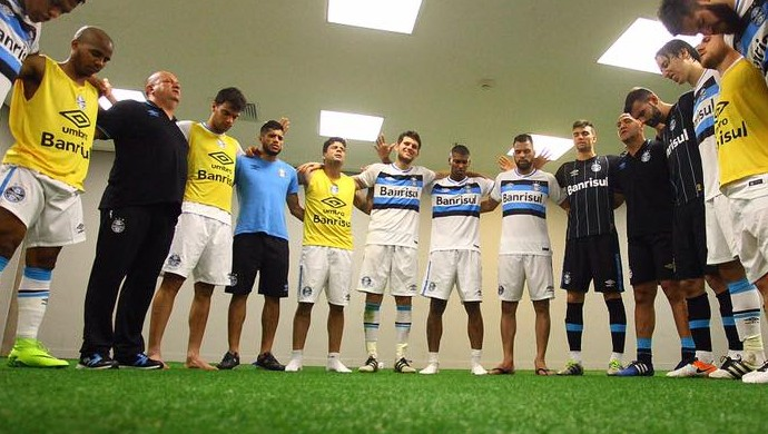 496ab888f1 grupo Grêmio Copa do Brasil vestiário Kannemann sorriso (Foto  Lucas Uebel  Grêmio)