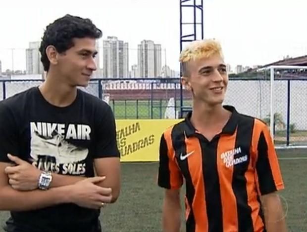 Paulo Henrique Ganso e Kauê Ramos, o jogador mais criativo da Batalha das Quadras (Foto: Reprodução TV GLOBO)