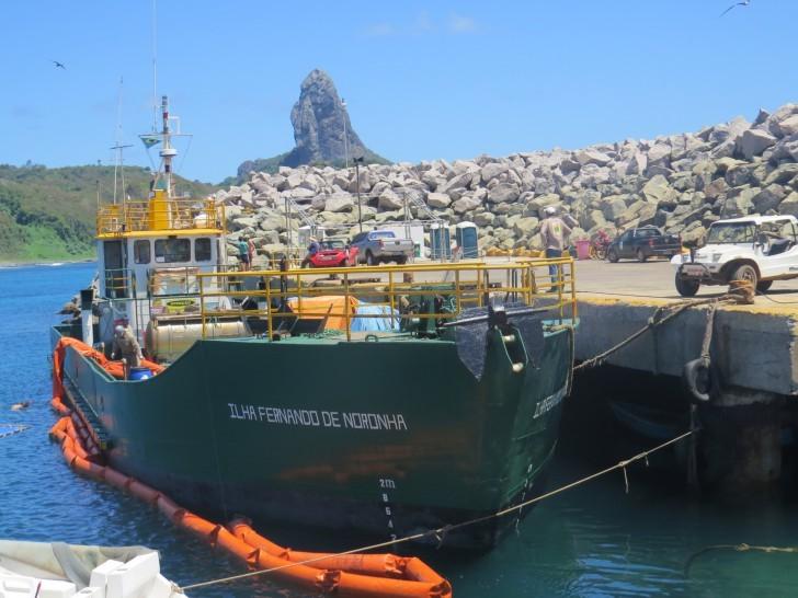 Navio Ilha Fernando de Noronha