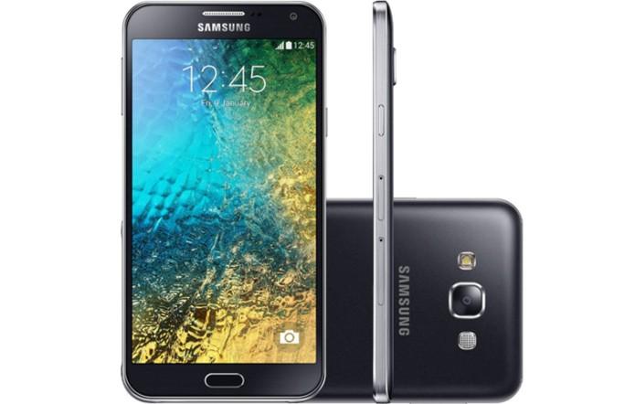 Galaxy E5 está disponível apenas nas cores cinza escuro e branca (Foto: Divulgação / Samsung)