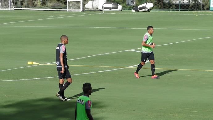 Leonardo Silva e Yago no treino do Atlético-MG (Foto: Fernando Martins Y Miguel)