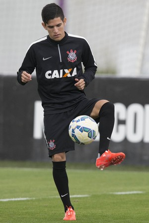 24dfb9ca53 Gustavo Vieira durante treino do Timão no CT (Foto  Daniel Augusto Jr Ag.  Corinthians)