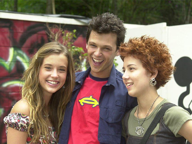 Letícia da Silva (Juliana Didone), Gustavo Soares (Guilherme Berenguer) e Natasha (Marjorie Estiano)