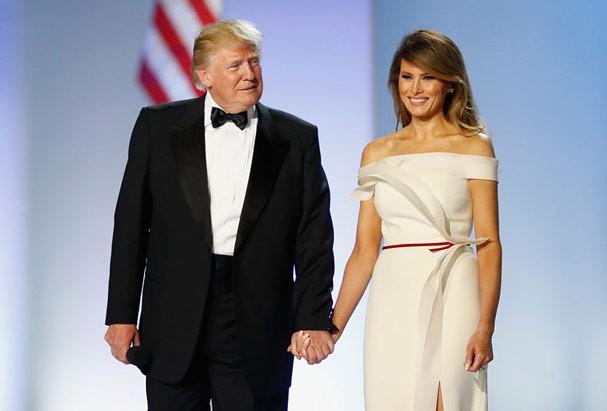 Melania Trump veste Hervé Pierre (Foto: Aaron P. Bernstein / Getty Images)
