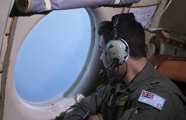 França detecta objetos que podem ser de avião desaparecido