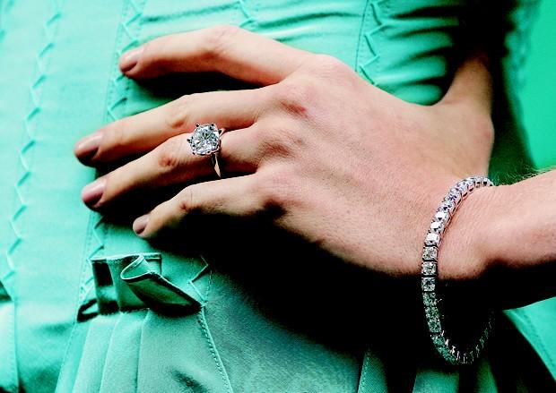 Solitário Tiffany   Co  conheça a história de um dos anéis de ... 0cd9fb3a238f7
