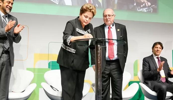 A presidente Dilma Rousseff sanciona a o Marco Civil da Internet em São Paulo (Foto: Roberto Stuckert Filho/PR)