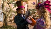 'Alice Através do Espelho' estreia (Divulgação)