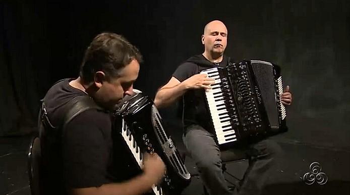 Musicos gaúchos na apresentação, em Manaus (Foto: Amazônia TV)