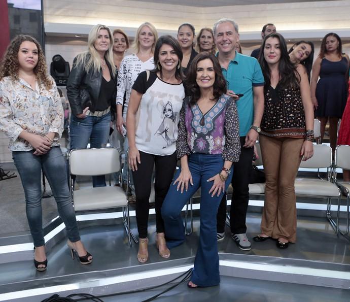 Fátima fez questão de tirar foto com a plateia (Foto: Felipe Monteiro/Gshow)