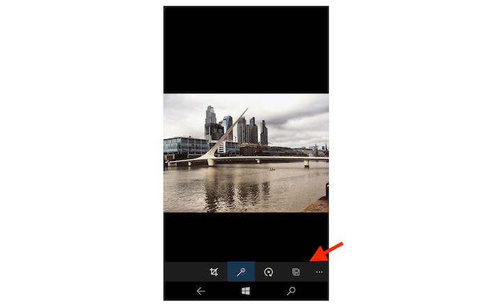 Salvando uma cópia da imagem editada no Windows 10 Mobile (Foto: Reprodução/Marvin Costa)