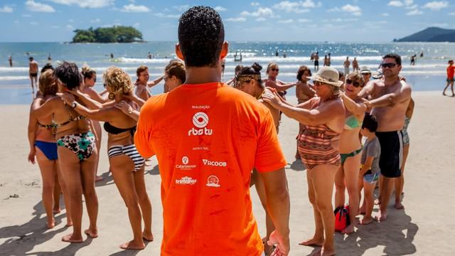 Arena Conexão visitou praia de Balneário Camboriú no último sábado (16) (Foto: José Luiz Somensi/Divulgação)
