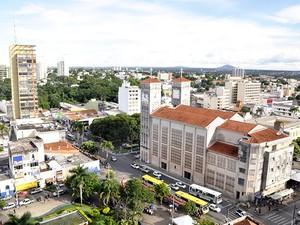 d3945786b903 Catedral Metropolitana de Cuiabá (Foto: Dhiego Maia/G1) Feriado do dia 1º  de maio ...