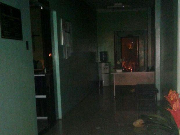 Vereador Landerrobson Ribeiro fotografou fogo em sala da Câmara dos Vereadores (Foto: Landerrobson Ribeiro/Arquivo Pessoal)
