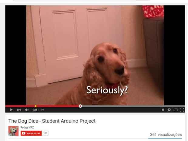 Primeira participação de Fudge nos trabalhos acadêmicos em vídeo do seu dono (Foto: Reprodução/YouTube)