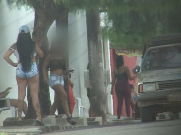 Prostituição continua no bairro Jardim Paraíso em Rio Preto  (Foto: Reprodução / TV TEM)